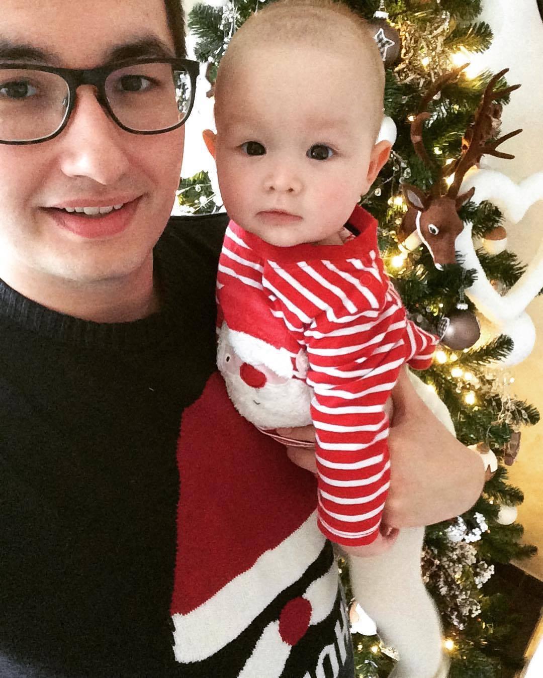 papa en dochter met Kerst