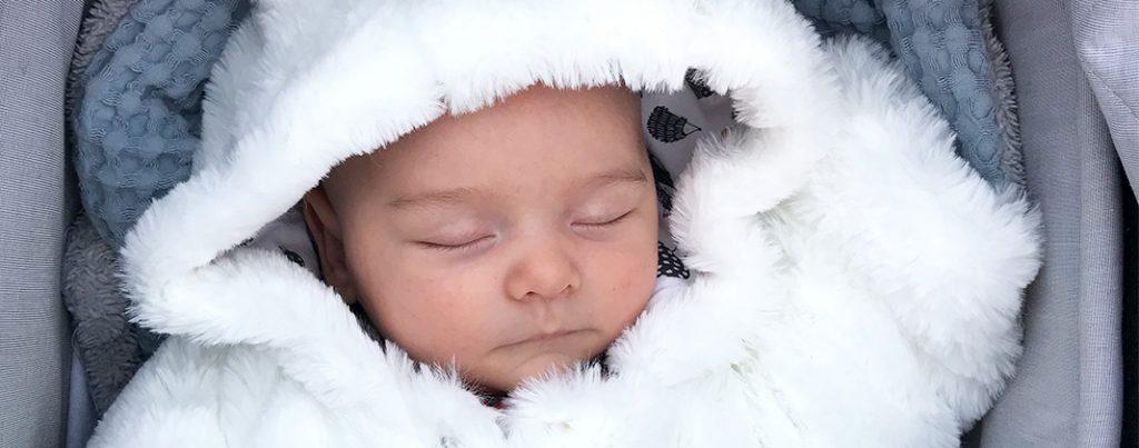 De verschillen tussen een zomer- en een winterbaby